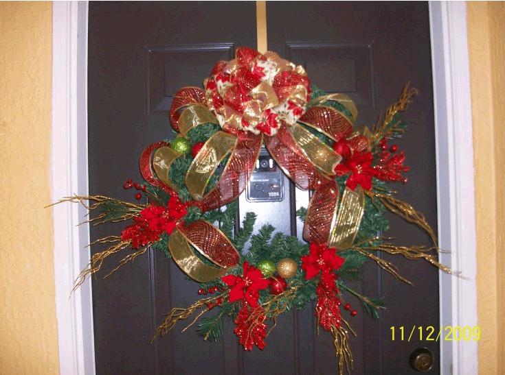 Navidad arreglo para la puerta for Arreglos navidenos para puertas 2016