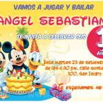 Invitaciones de Mickey Mouse celebrando con Minnie y Donald